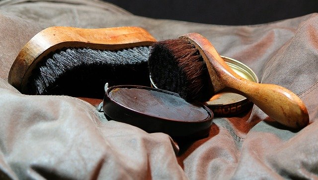 4 : 靴磨き(靴の手入れアイテム)
