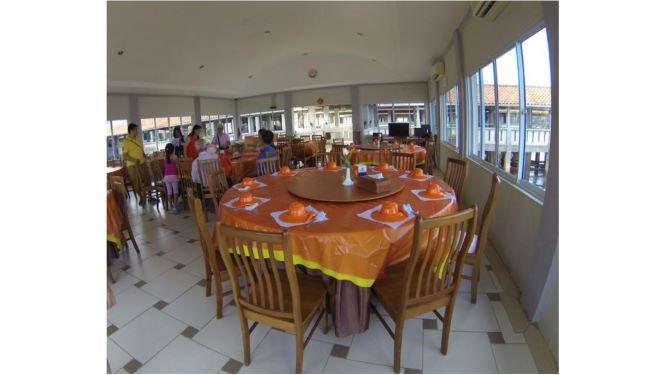 2, Barelang Seafood Restaurant
