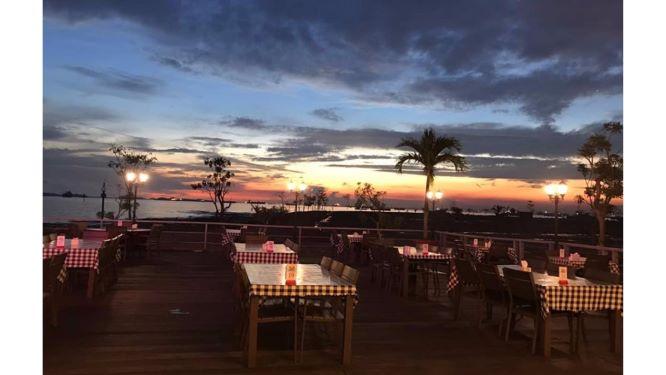 5, Harbour Bay Seafood Restaurant