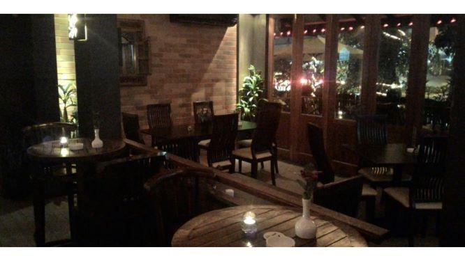 8, Teras Cafe