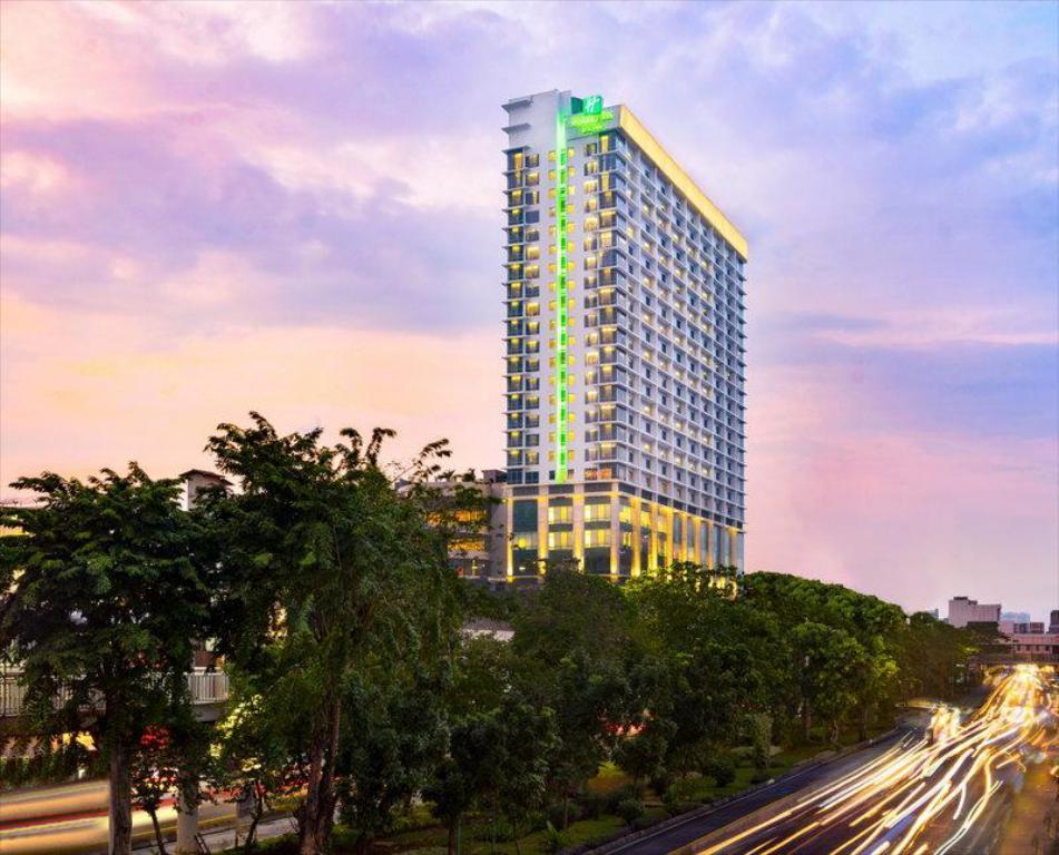 ホリデイ イン&スイーツ ジャカルタ ガジャー マダ (Holiday Inn & Suites Jakarta Gajah Mada)